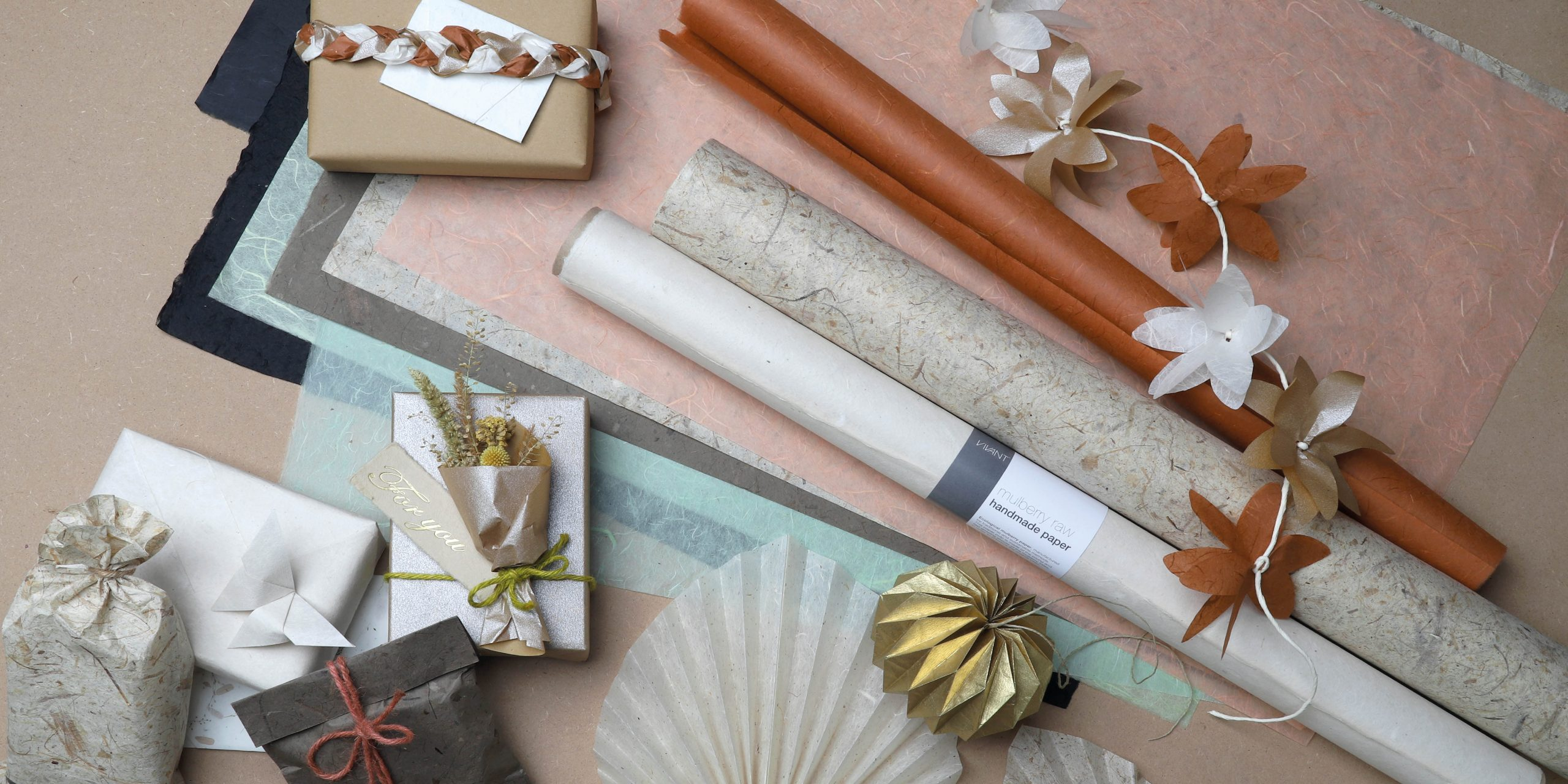 Natural paper sheets and paper reels
